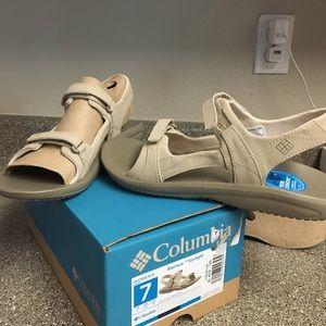 Columbia Barraca sandals size 7